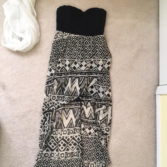 Dresses & Skirts - Strapless mini front dress